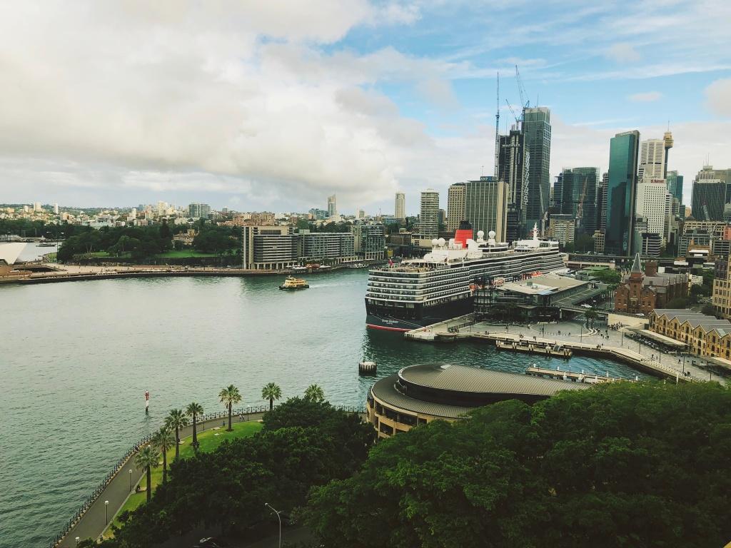 Widok na wieżowce w Sydney