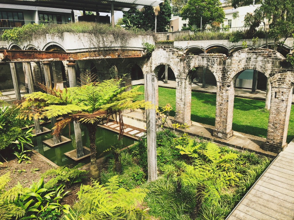 Ruiny w Reservoir Gardens w Sydney